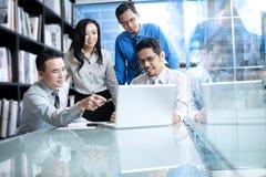 Asiatisches Geschäfts-Team Stockfotos