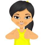 Asiatisches kleines Mädchen, das sich zwei Daumen zeigt Lizenzfreie Stockfotos