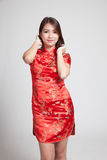 Asiatisches Mädchen in chinesischem cheongsam Kleid Stockfotografie