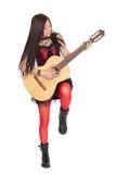 Asiatisches Mädchen, das eine Gitarre spielt Stockfotografie