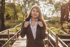 Asiatisches Mädchen in der Lederjacke Lizenzfreies Stockbild