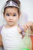 Asiatisches Mädchen in einem feenhaften Kleid Lizenzfreie Stockfotos