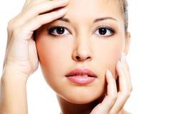 Asiatisches weibliches Gesicht der Schönheit Lizenzfreie Stockfotos
