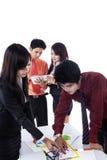 Asiatisk affärsdiskussion Fotografering för Bildbyråer