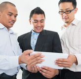 Asiatisk affärsmandiskussion för Southeast Arkivbild