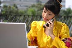 asiatisk attraktiv flickadeltagare arkivbild