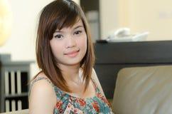 asiatisk attrative avslappnande kvinna Arkivfoton