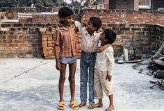 Asiatisk barngrupp fotografering för bildbyråer