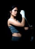 asiatisk boxarekvinnlig Fotografering för Bildbyråer