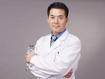 Asiatisk doktor Royaltyfria Bilder
