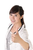 asiatisk doktorsläkarundersökningkvinna royaltyfria bilder
