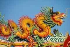 Asiatisk drake i den kinesiska templet Royaltyfri Foto