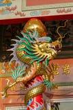 Asiatisk drake i den kinesiska templet Royaltyfria Foton