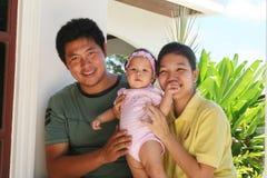 asiatisk familjserie arkivfoton