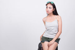 Asiatisk flicka i loppbegrepp Arkivbilder