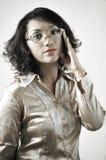 Asiatisk flicka med gammala exponeringsglas 9 Arkivbild