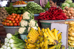 Asiatisk fruktmarknad - blomkål Royaltyfri Bild