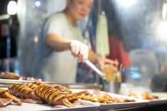 Asiatisk gatamatmarknad royaltyfri fotografi