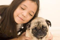 asiatisk grumpy hundflicka henne royaltyfria bilder