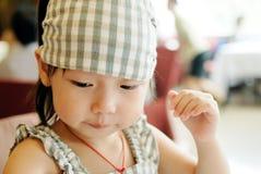 asiatisk gullig flicka Fotografering för Bildbyråer