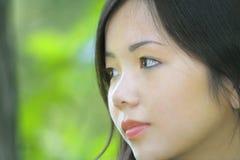 asiatisk härlig kvinnligstående Arkivbild