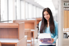 asiatisk högskolestudent royaltyfri bild