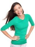 Asiatisk isolerat le för kvinna som stående är lyckligt Arkivfoton