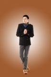 Asiatisk känselförkylning för ung man Royaltyfria Bilder