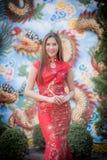 Asiatisk kinesisk kvinna i traditionell kines arkivfoto