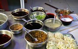 asiatisk kryddig ingrediensnudelsoup Arkivfoto