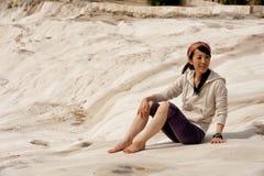 Asiatisk kvinna i pamukkale Royaltyfri Bild