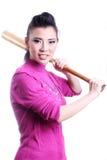 Asiatisk kvinna med baseballslagträet Fotografering för Bildbyråer
