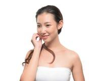 Asiatisk kvinna på vit bakgrund Arkivbilder