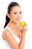 Asiatisk kvinna som äter och bor som är sund Arkivbilder