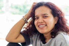 asiatisk kvinnligstående Arkivfoton