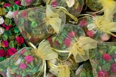 asiatisk marknad Gul rökelse Royaltyfria Bilder