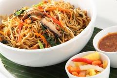 asiatisk mat stekt nudel Arkivbild
