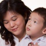 asiatisk mom Fotografering för Bildbyråer
