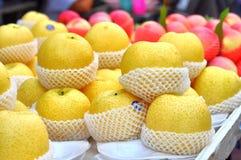 Asiatisk Pearsgrupp i packe Royaltyfri Foto