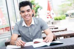 Asiatisk student royaltyfri bild