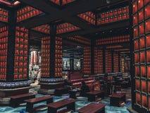 Asiatisk tempel från dess insida royaltyfria bilder