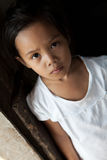 Asiatisk ung flickastående Arkivbilder