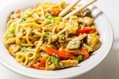 Asiatiska nudlar med grönsaker Fotografering för Bildbyråer