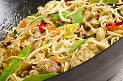 Asiatiska nudlar med meat Royaltyfria Bilder