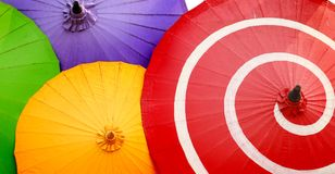 asiatiska paper traditionella paraplyer Fotografering för Bildbyråer
