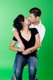 asiatiska par varje kyssa älska annat barn Fotografering för Bildbyråer