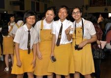 asiatiska schoolgirls Fotografering för Bildbyråer