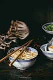 Asiatiska sopparamen med fetaost Royaltyfria Foton