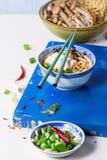 Asiatiska sopparamen med fetaost Royaltyfria Bilder