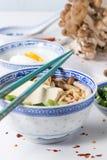 Asiatiska sopparamen med fetaost Royaltyfri Foto